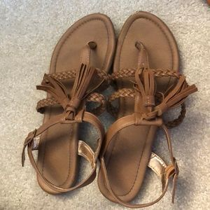 Shoes - Brown sandals. Size 8